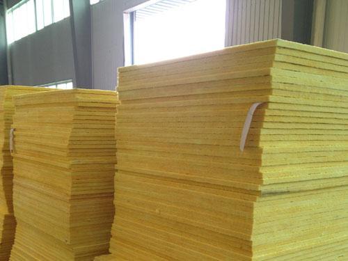 雅安集装箱厂家为你分析玻璃棉板的性能优势!